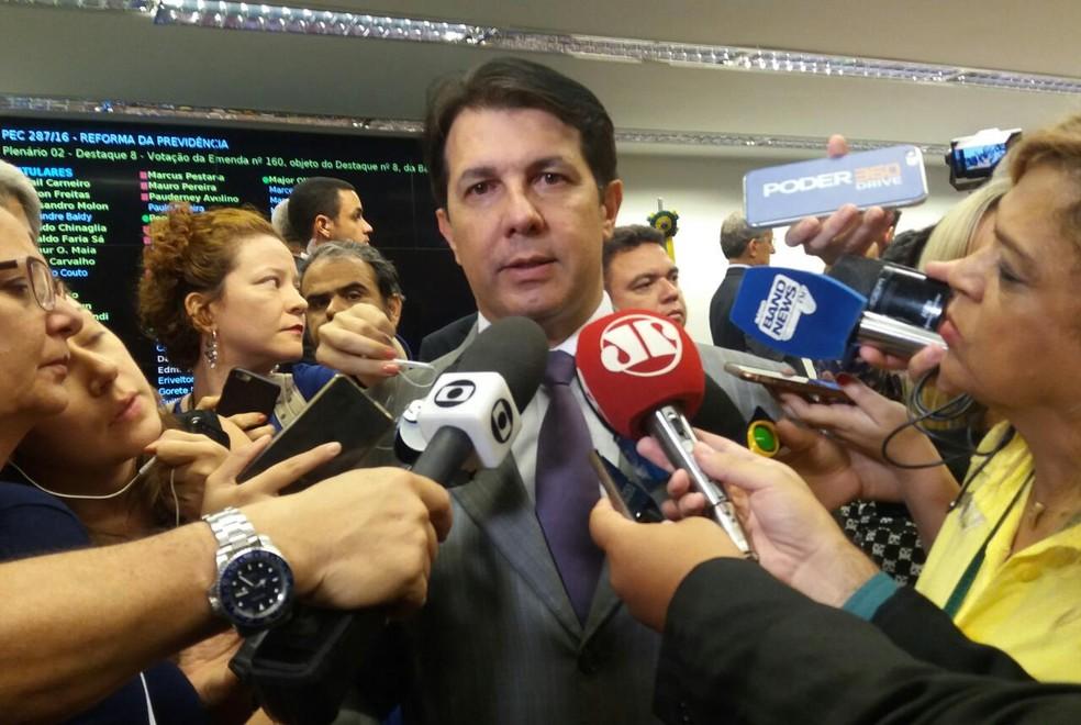 O deputado Arthur Maia, relator da reforma da Previdência, comenta aprovação do parecer na comissão especial (Foto: Bernardo Caram/G1)
