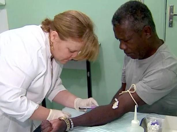 Técnico de enfermagem é função com mais vagas abertas no PAT  (Foto: Paulo Chiari/ EPTV)