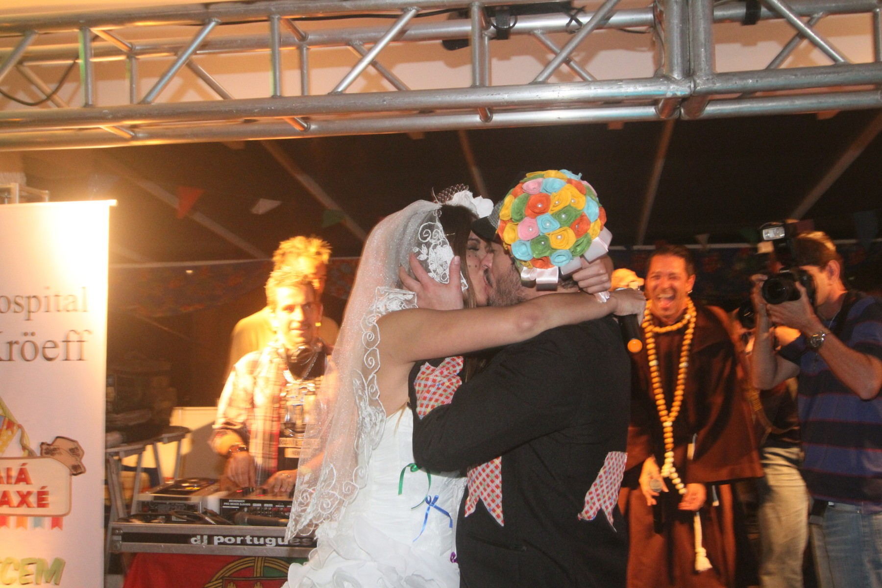 """casamento jardim marapendi: Sidney Sampaio """"ensaiam"""" casamento em arraial – Quem"""