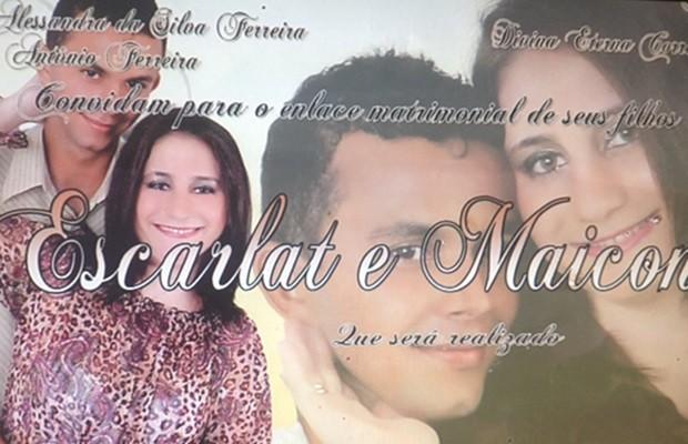 Escarlat e Maicon casaram em cerimônia sem energia, em Nazário (Foto: Reprodução/TV Anhanguera)
