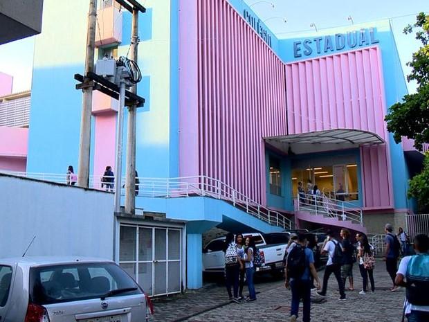 Alunos voltam às aulas em escola estadual no Espírito Santo (Foto: Reprodução/ TV Gazeta)