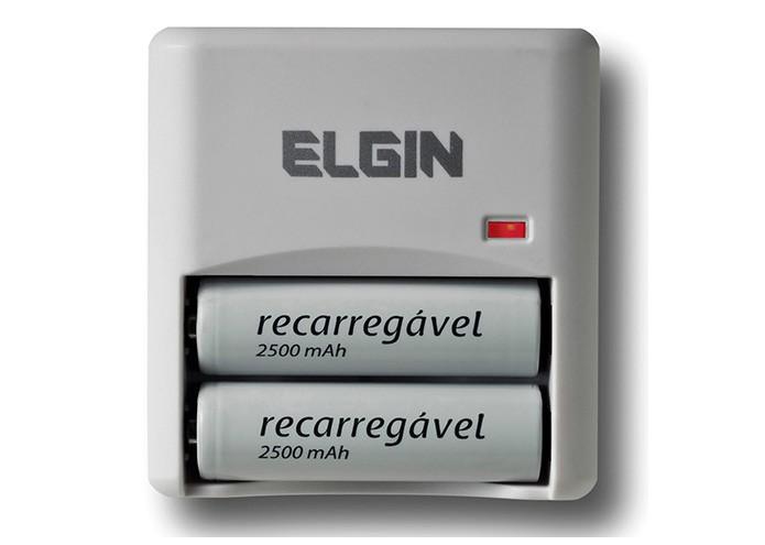 O aparelho Elgin portátil vem acompanhado de duas pilhas recarregáveis da mesma marca (Foto: Divulgação)