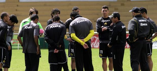 Grupo de jogadores do Criciúma, líderes da Série B (Foto: Fernando Ribeiro, Divulgação / Criciúma EC)