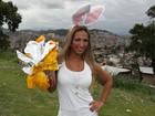 Valesca Popozuda distribui ovos de Páscoa no Complexo do Alemão