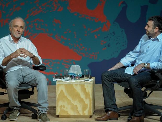 O economista André Lara Resende e o filósofo Marcos Nobre durante mesa da Flip neste sábado (6) (Foto: Flavio Moraes/G1)