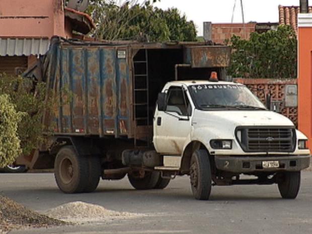 Itapetininga tem 11 caminhões para a coleta, segundo a prefeitura (Foto: Reprodução/TV TEM)