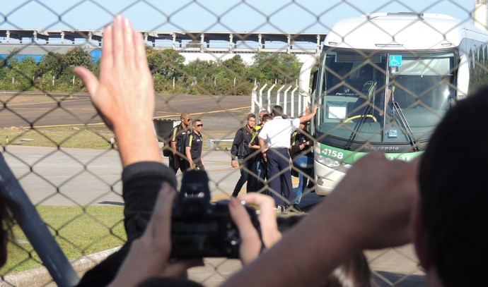 Protesto Criciúma aeroporto (Foto: João Lucas Cardoso)
