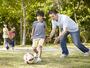 Superproteção dos pais é um dos fatores que impedem o brincar livre