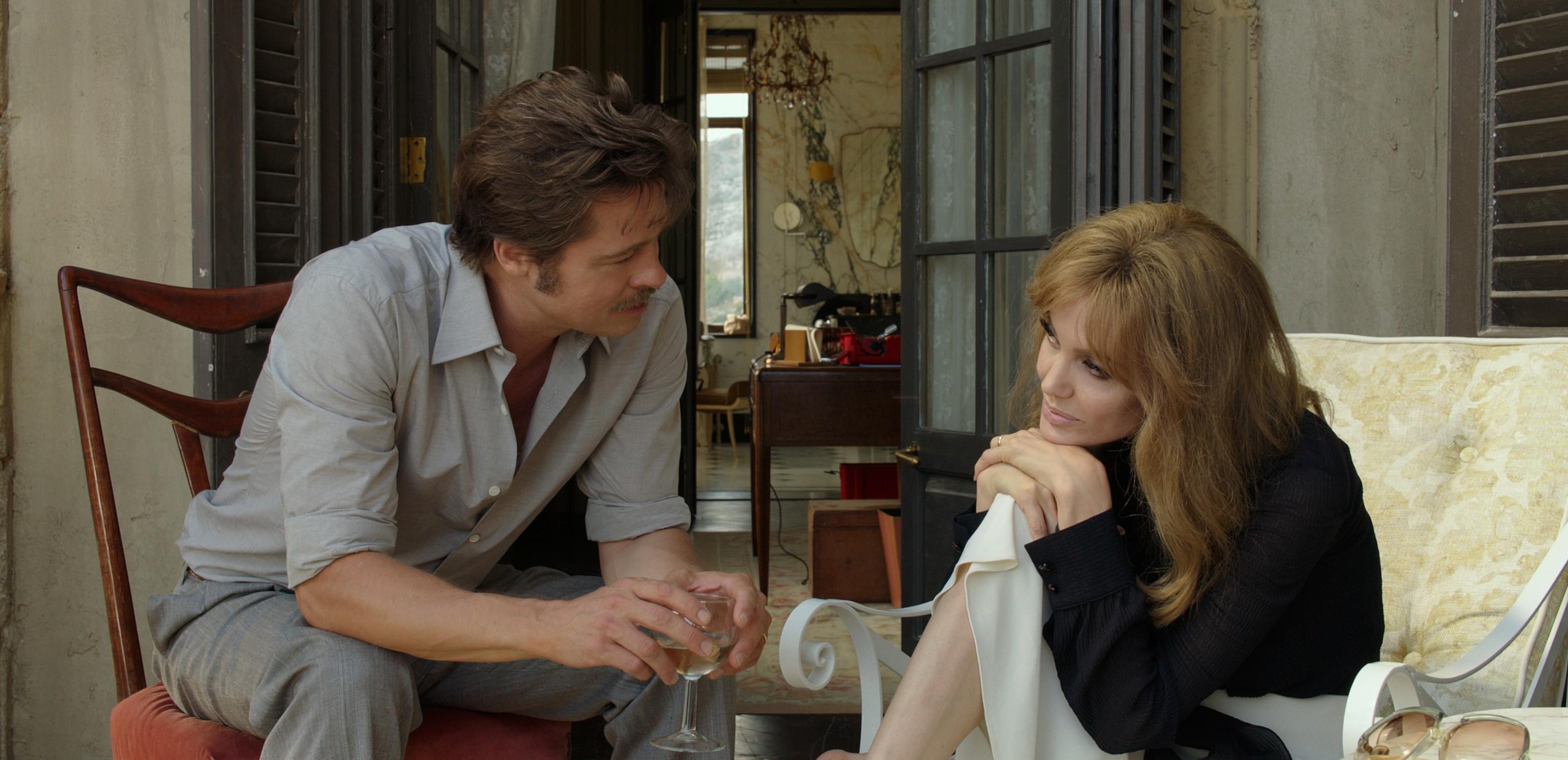 cdf9dd7fe2a À Beira Mar   Angelina Jolie e Brad Pitt não salvam filme do tédio ...