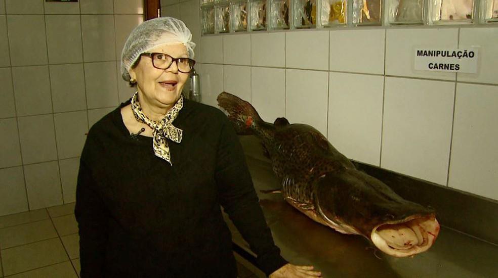 Dona Dagmar diz que o pintado vai alimentar 120 pessoas por três dias em Barretos, SP (Foto: Reprodução/EPTV)