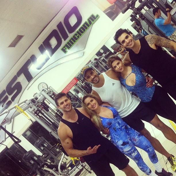 Jonas Sulzbach, Renata Dávila, Lucas Gil, Cacau Colucci e William Albuquerque (Foto: Reprodução/Instagram)