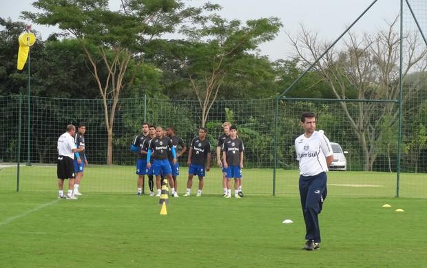 Reservas do Grêmio treinaram fisicamente em Atibaia (Foto: Hector Werlang/Globoesporte.com)