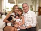 Ana Paula Siebert posta foto em família com Roberto Justus e Rafinha