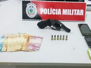 Polícia apreendeu 21 armas de fogo durante o final de semana (Foto: Divulgação/PMPB)