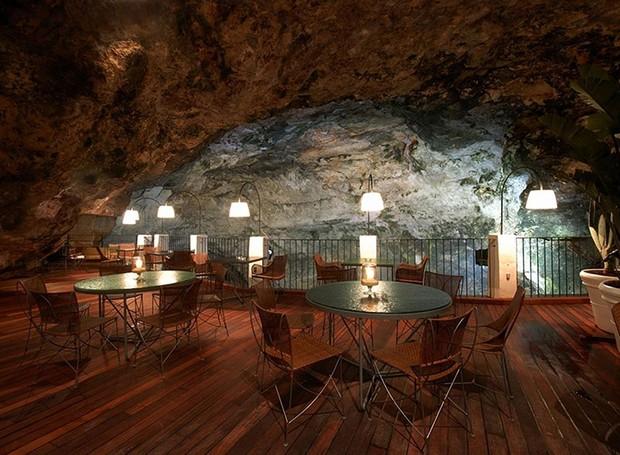 caverna-italiana-restaurante-grotta-palazzese-polignano-mare (Foto: Divulgação)