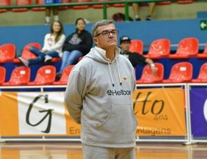 Paco García treino Mogi Basquete (Foto: Bruno Rocha)