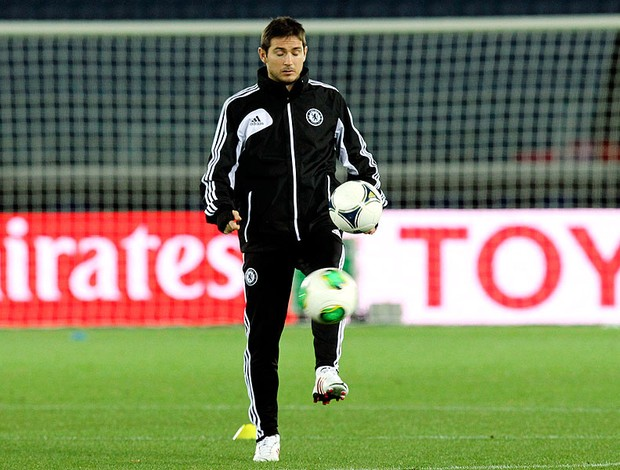 Lampard no treino do Chelsea Mundial AP (Foto: AP)