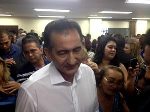 Governador do Amapá Waldez Góes, do PDT, anunciou medidas (Foto: Abinoan Santiago/G1)