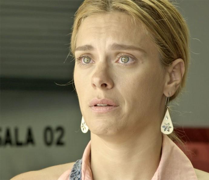 Antes de voltar para sua cidade de origem, Lara procura Dante para pedir perdão (Foto: TV Globo)