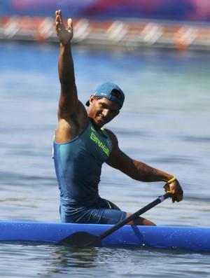 Isaquias Queiroz vence a semifinal 1 da canoagem velocidade (K1 200m) (Foto: Reuters)