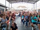 Servidores realizam assembleia e decidem manter greve em São Vicente