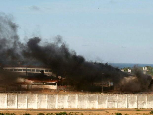 RN - Pavilhão 3 da Penitenciária Estadual de Alcaçuz, no RN, é queimado (Foto: Elias Medeiros/G1)