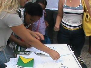 ONG estima que foram colhidas três mil assinaturas da população de Araguaína (Foto: Rademarker Saraiva Martins/SOS Liberdade Araguaína)