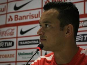Réver zagueiro Inter (Foto: Tomás Hammes / GloboEsporte.com)
