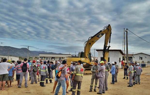 Acampamento na área da obra da Barragem de Oiticica completou uma semana (Foto: Marcos Dantas)