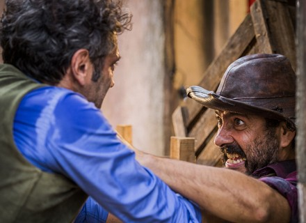 Cícero e Carlos se tornam suspeitos de atentado a Santo