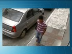 Homem destrava moto e furta veículo no centro de cidade na BA; veja vídeo