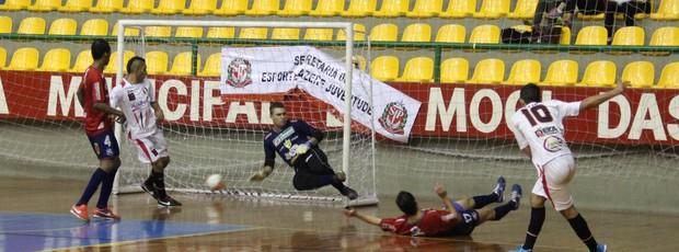 Jogos Abertos 2013 Mogi das Cruzes x Rio Preto Futsal (Foto: Thiago Fidelix)