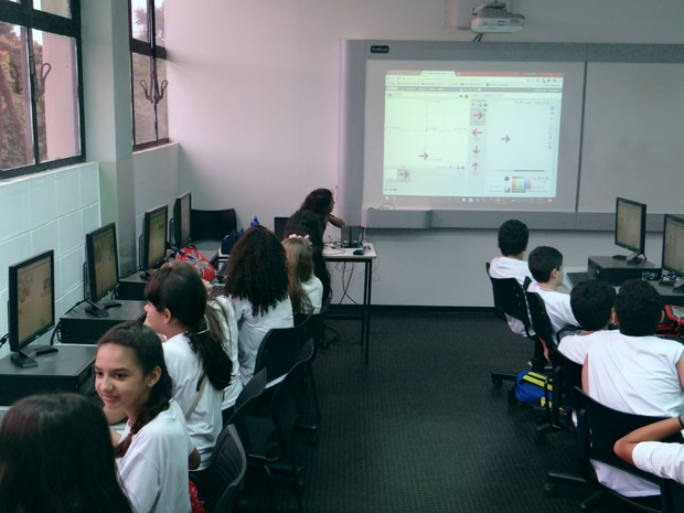 Oficina de programação de jogos ministrada por Matheus Barbosa