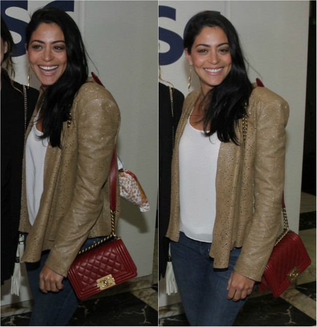 Carol Castro usa bolsa Chanel (Foto: Ag. News)
