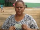 Dona de casa diz que outro eleitor votou em seu lugar, em Goiânia (Sílvio Túlio/G1)