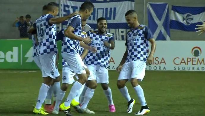 Jô marca pelo São José (Foto: Reprodução / SporTV)