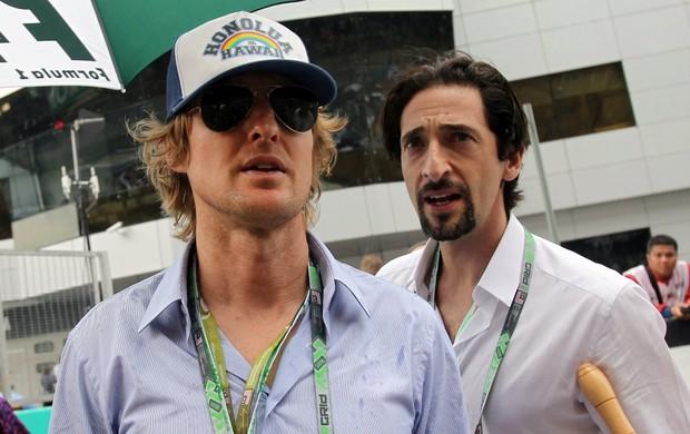 F1 GP da Malásia Owen Wilson e Adrian Brody (Foto: AP)
