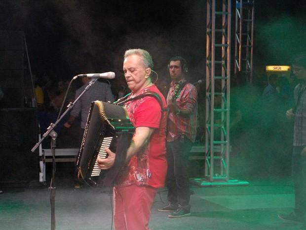 G1 - Flávio José, Gabriel Diniz e Marcos Lessa cantam no São João de ... f34cd83acf