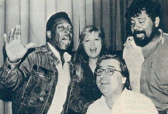 Pelé, Marcix, Basso e Dalvan na gravação de Torcida da Paz (Foto: Fernando Basso/Arquivo pessoal)