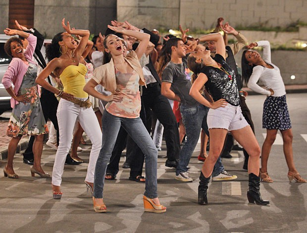 Bem no estilo Superstar (Foto: Cheias de Charme / TV Globo)
