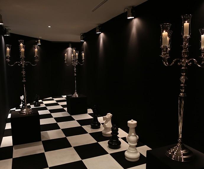 Jogo de xadrez dita as regras da decoraç u00e3o em festa de lançamento de'A Regra do Jogo  -> Decoração De Mesa Xadrez