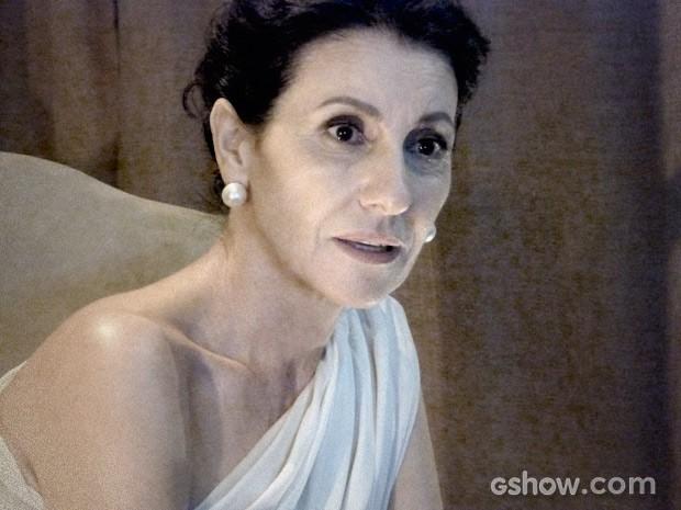 Gilda também fica chocada (Foto: O Rebu / TV Globo)