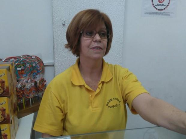 A comerciante Sueli Garcia, para quem o fechamento foi benéfico (Foto: Carolina Dantas/ G1)