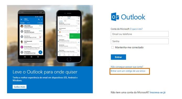 Acesse a tela de login do Outlook.com e selecione o item de código único (Foto: Reprodução/Barbara Mannara)