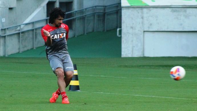 Clébson, meia do América-RN (Foto: Canindé Pereira/América FC)