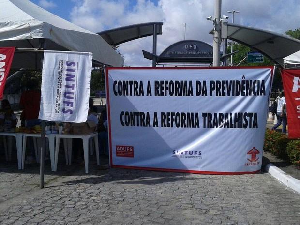 Servidores protestaram contra a reforma na previdência (Foto: Adufs/Divulgação)