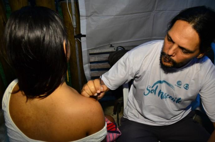 As tatuagens de henna fizeram sucesso (Foto: Eli Cruz)