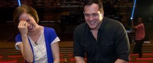 Nos bastidores do musical, Daniel Boaventura canta as músicas da turnê 'Your Song' (Reprodução / EPTV)