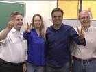 Aécio Neves vota em Belo Horizonte ao lado da esposa e aliados