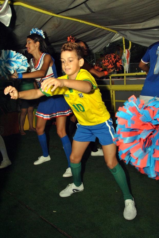 Filho de Carla Peres em Salvador (Foto: Marcelo Machado/Ag Haack)